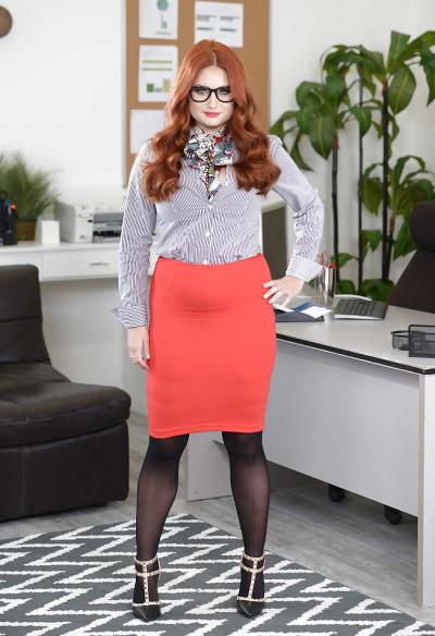 Рыжая пышная секретарша 1 фото