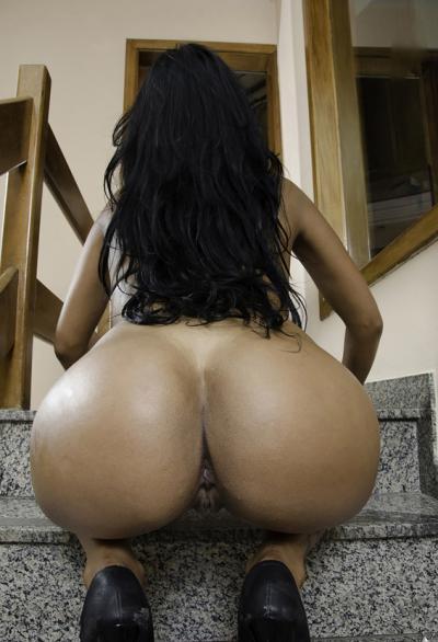 Девушка из Бразилии с накаченной задницей 14 фото
