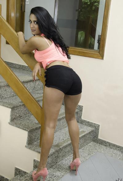 Девушка из Бразилии с накаченной задницей 9 фото