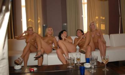 Групповая ебля на вечеринке 16 фото