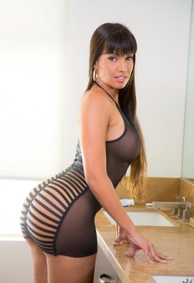 Сексуальная порномодель Мерседес Каррера с сочными формами 1 фото