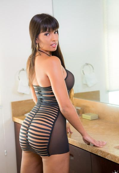 Сексуальная порномодель Мерседес Каррера с сочными формами 10 фото