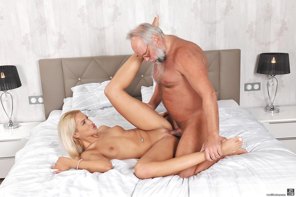 Порно Дед Целуют