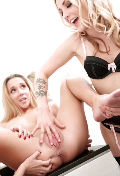 Три блондинки лесбиянки 15 фото