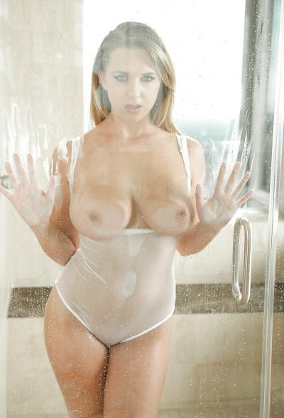 Сексуальная блондинка Brooke Wylde 10 фото