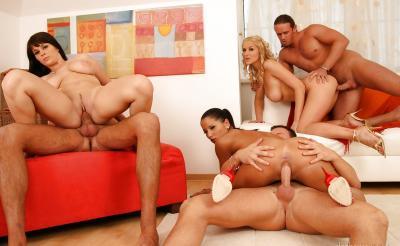 Три жены устроили большую групповуху 16 фото