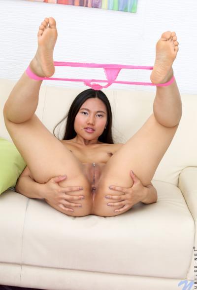 Азиатка с упругой жопой 8 фото