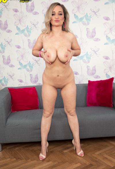 Зрелая блондинка хочет секса 13 фото