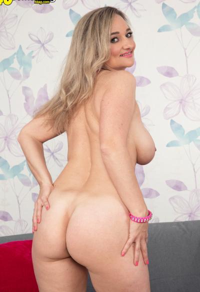Зрелая блондинка хочет секса 14 фото
