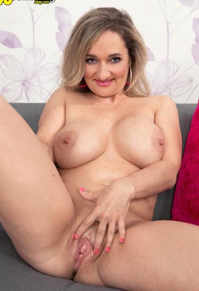 Зрелая блондинка хочет секса 8 фото