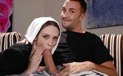 Секс с монашкой закончился спермой на лице 4 фото