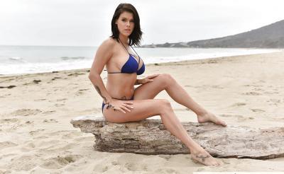 Очень сексуальная брюнетка Пета Дженсен 3 фото