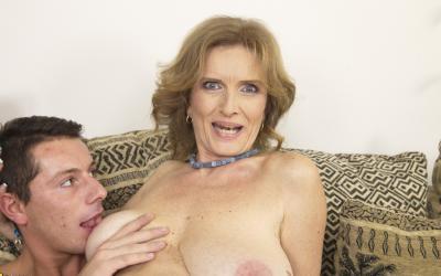 Удовлетворил грудастую зрелую женщину 16 фото
