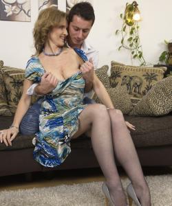 Удовлетворил грудастую зрелую женщину