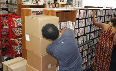 Порно в магазине 12 фото