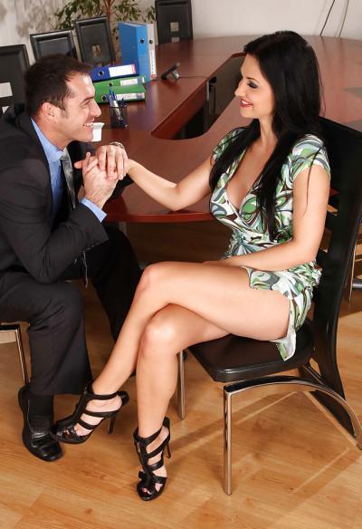 Горячий секс в офисе 1 фото