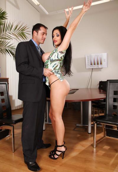 Горячий секс в офисе 2 фото