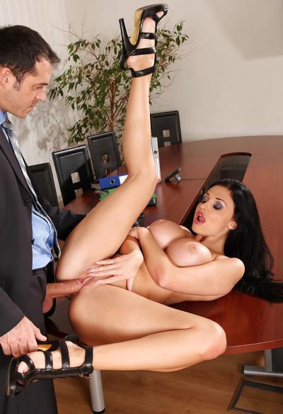 Горячий секс в офисе 6 фото