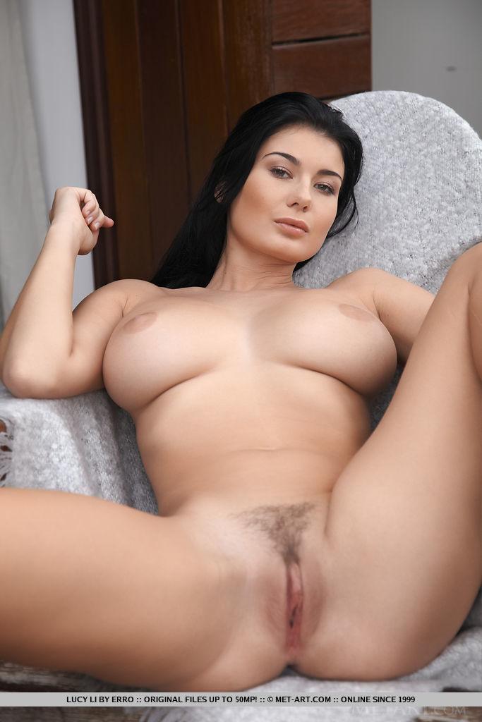 Порно с красивыми сочными брюнетками, трахнул полную девушку