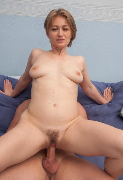Секс с русской зрелой женой 12 фото
