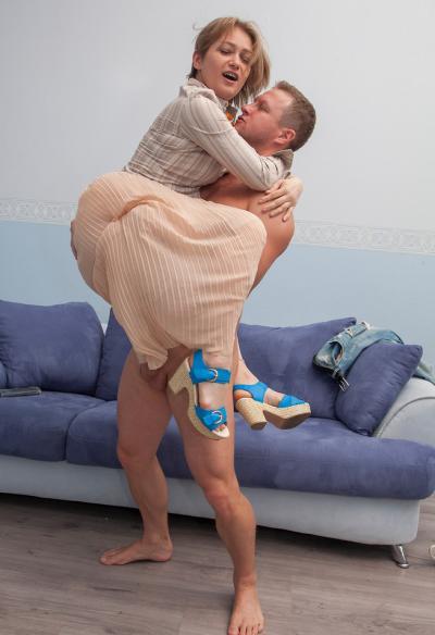 Секс с русской зрелой женой 5 фото