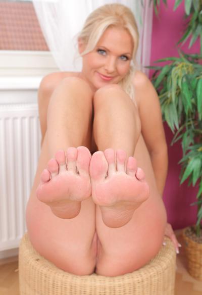 Красивая зрелая блондинка 16 фото