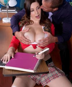Студентка разделась перед учителем
