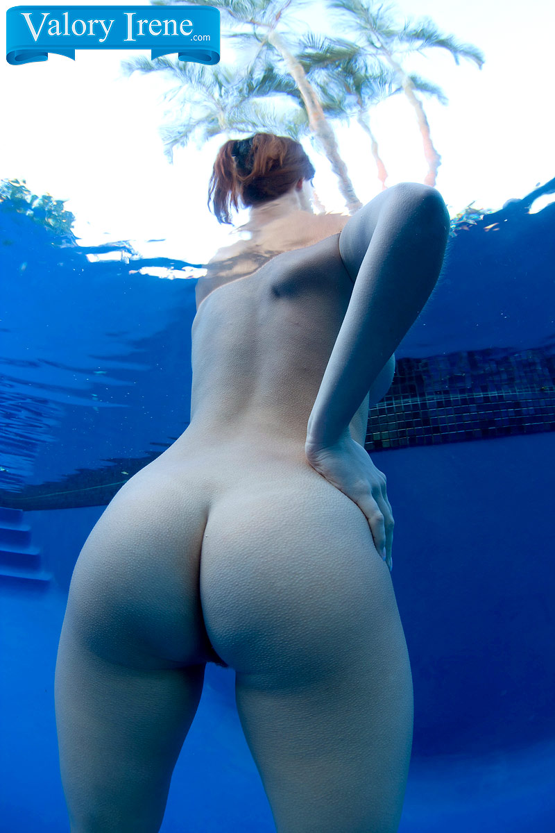 Фото нагих на море баб