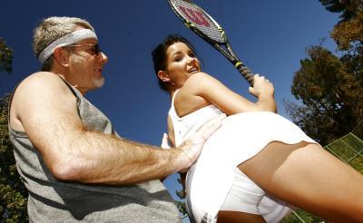 Тренер отодрал теннисистку 1 фото