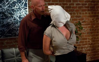 Связал жену и грубо трахнул в попу БДСМ 3 фото