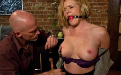 Связал жену и грубо трахнул в попу БДСМ 8 фото
