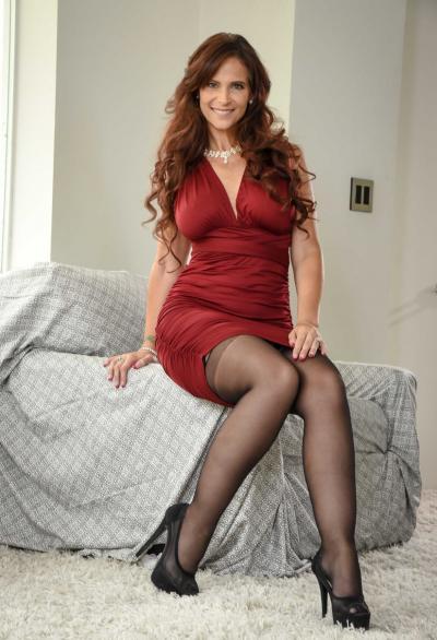 Очень сексуальная зрелая женщина в чулках 2 фото