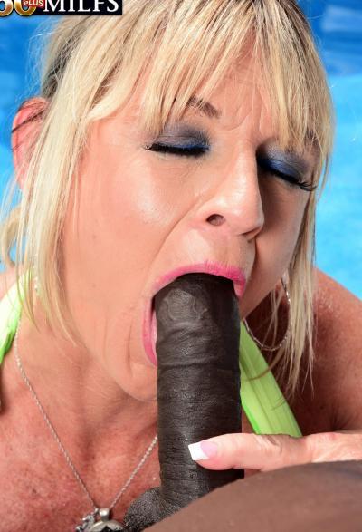 Негр залил спермой зрелую блондинку 6 фото