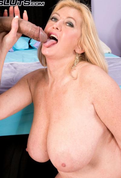 Анальный секс со зрелой блондинкой 15 фото