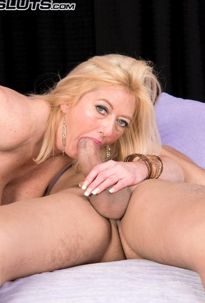 Анальный секс со зрелой блондинкой 5 фото