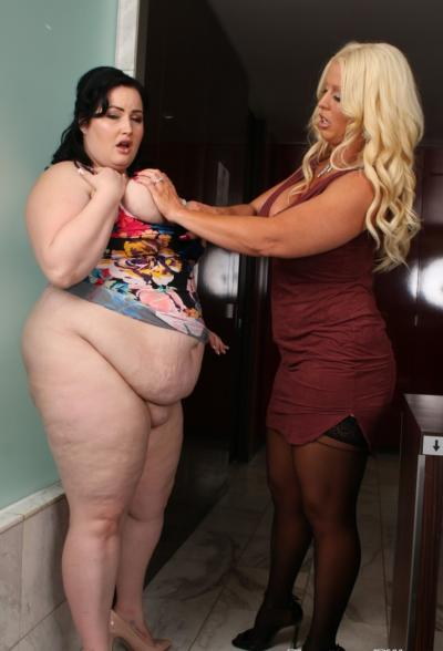 Очень толстая лесбиянка трахается с подругой 6 фото