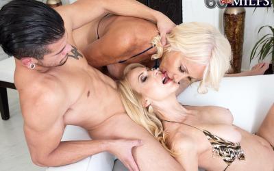 Две зрелые блондинки развлекаются с молодым самцом 10 фото