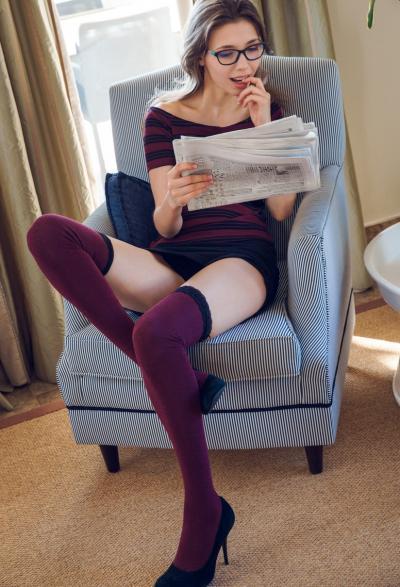 Молодая девушка с большими сиськами 2 фото