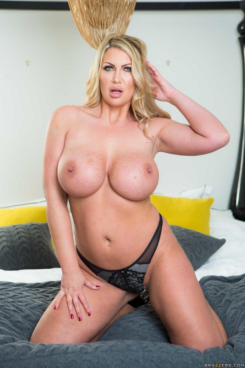 Leigh Darby Porno