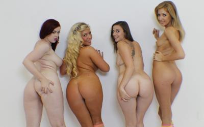 Четверо голых сексуальных девушек 15 фото