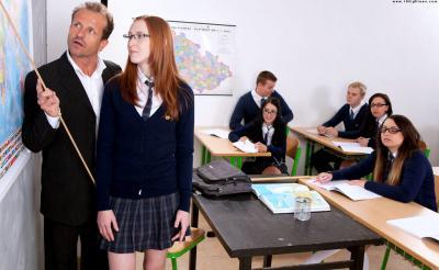 Учитель трахнул рыжую ученицу 1 фото