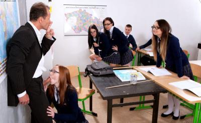 Учитель трахнул рыжую ученицу 2 фото