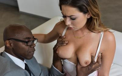Черный босс трахнул секретаршу языком 7 фото