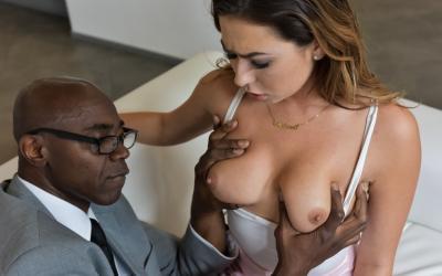 Черный босс трахнул секретаршу языком 8 фото