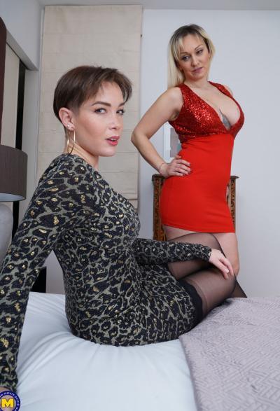 Две зрелые лесбиянки лижут дырочки 3 фото