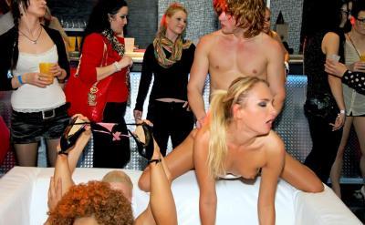 Секс вечеринка в ночном клубе 12 фото