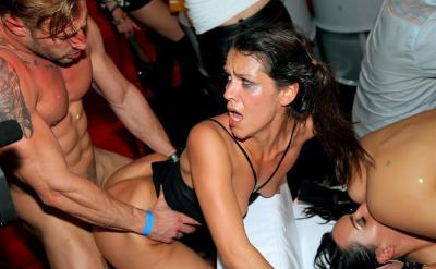 Секс вечеринка в ночном клубе 6 фото