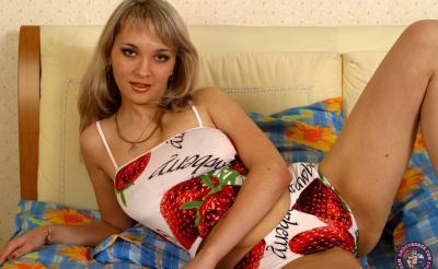 Домашние фотки сексуальной девушки 2 фото