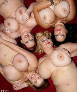 Четверо толстых подружек с огромными сиськами