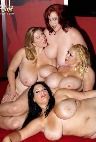 Четверо толстых подружек с огромными сиськами 14 фото